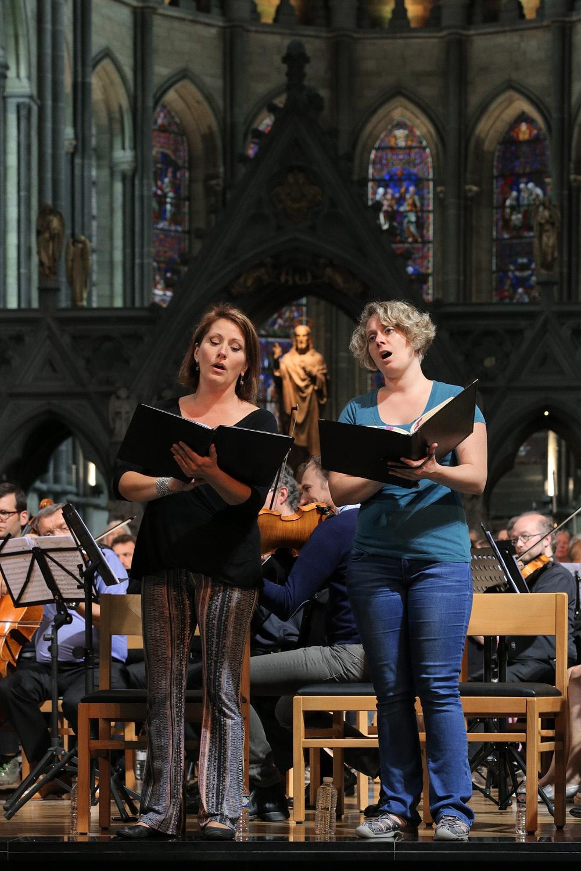 e16-yprescarriemegan Carrie Hennessy, Soprano,  Megan Berti, Mezzo,  St. Martin's Cathedral,  Ypres, Belgium, 2016