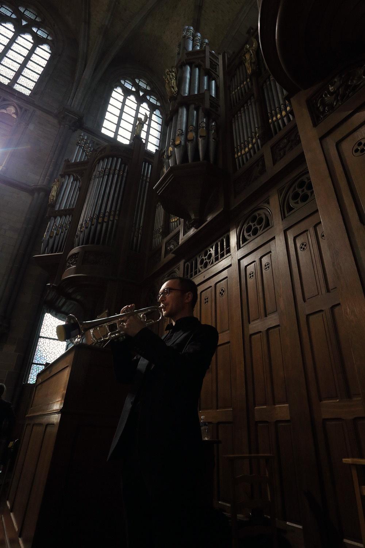 e16-yprestrumpeter Trumpeter,  St. Martin's Cathedral,  Ypres, Belgium, 2016