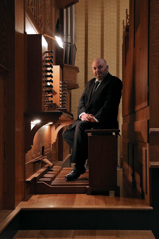 s16-organistC