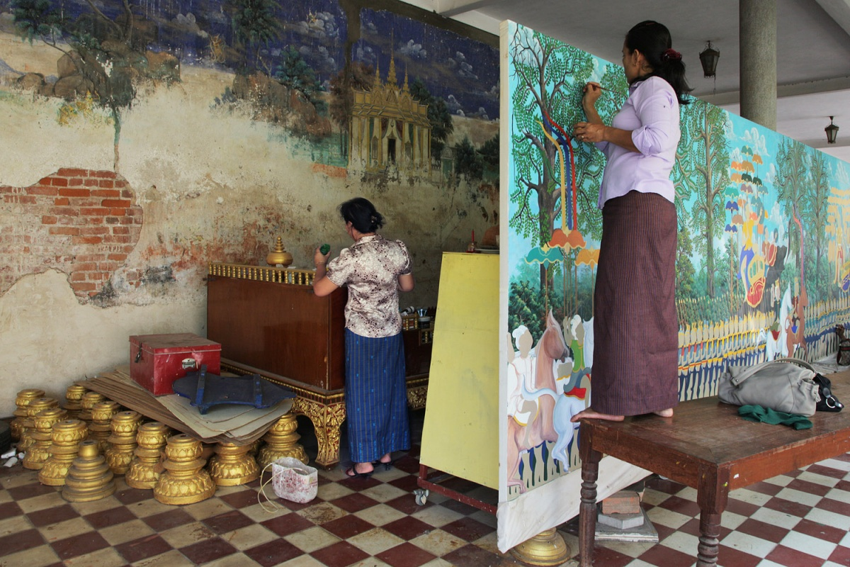 muralsH Murals Old and New, Royal Palace, Phnom Penh, Cambodia, 2010