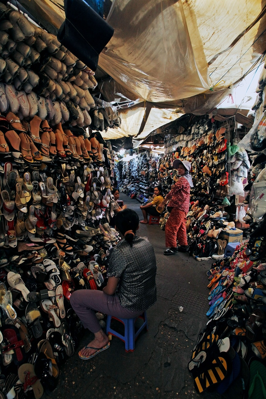 shoestreet Shoe Vendors, Central Market, Phnom Penh, Cambodia, 2010