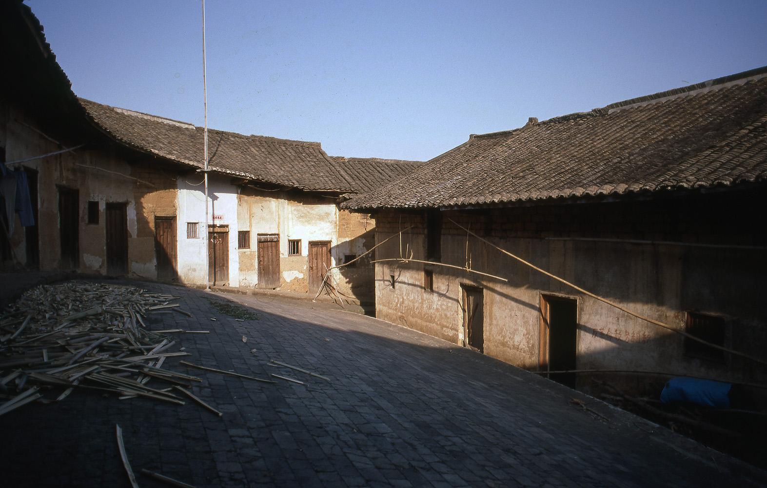 82-meixianbackcourt