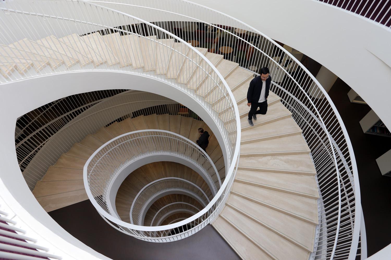 19-universitystair