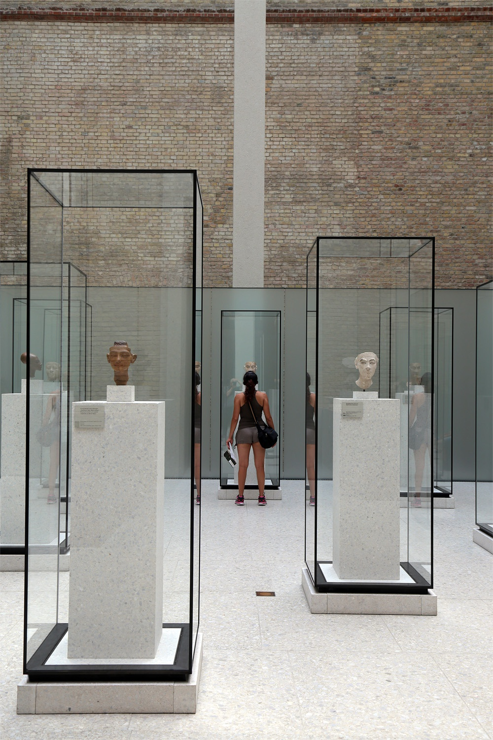 glasscases Neues Museum, 