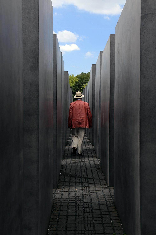 holocaustA
