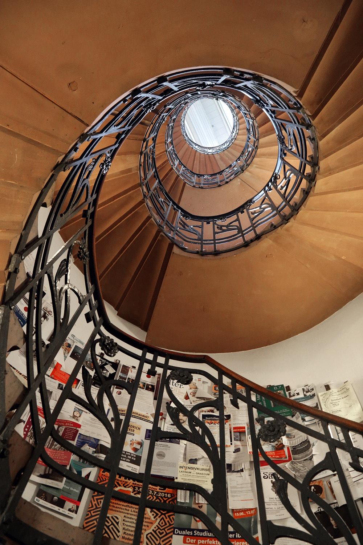 librarystair