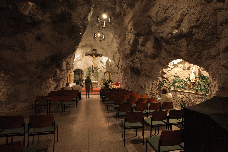 cavechurchB Cave Church,  Budapest, Hungary, 2013