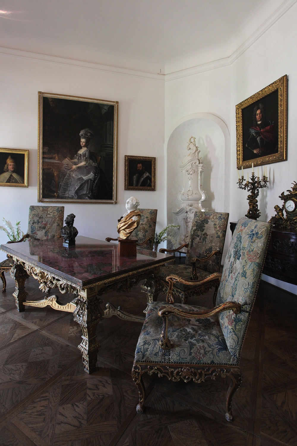 portraitroom