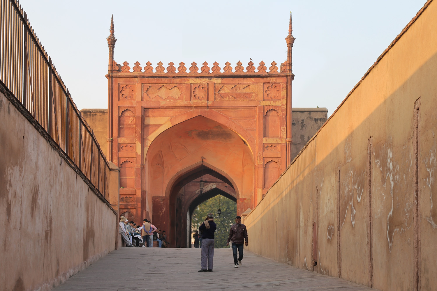 18-agrafortramp Agra Fort, 