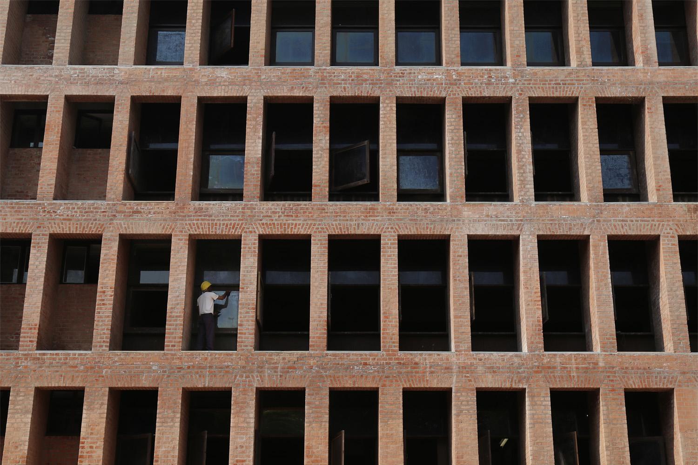 18-brickgrid
