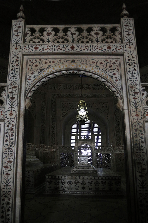 18-tajsarcophagus False Sarcophagus of Mumtaz,  Taj Mahal, India, 2018