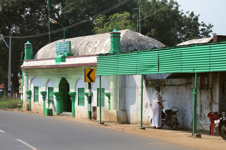 18-tamilmosqueA Roadside Mosque,  Tamil Nadu, India, 2018