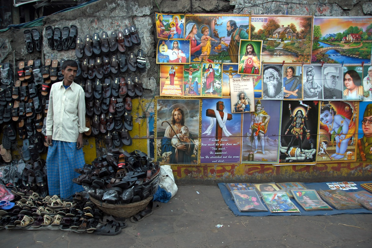 shoepictures Sandal Vendor and Images, Kolkata, India, 2007