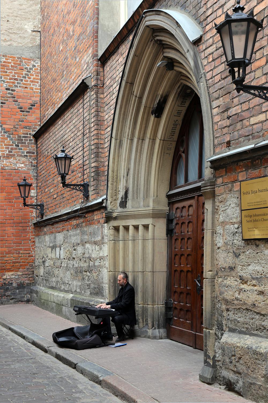 19-cathedraldoor