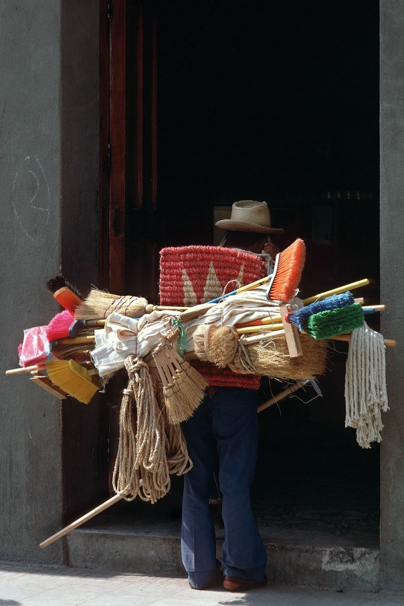 brushes Brush Salesman, Mexico, 1973