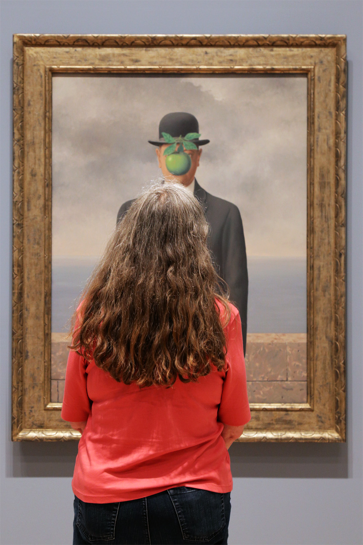 18-applehair Magritte Exhibition,  SFMOMA,  San Francisco, California, 2018