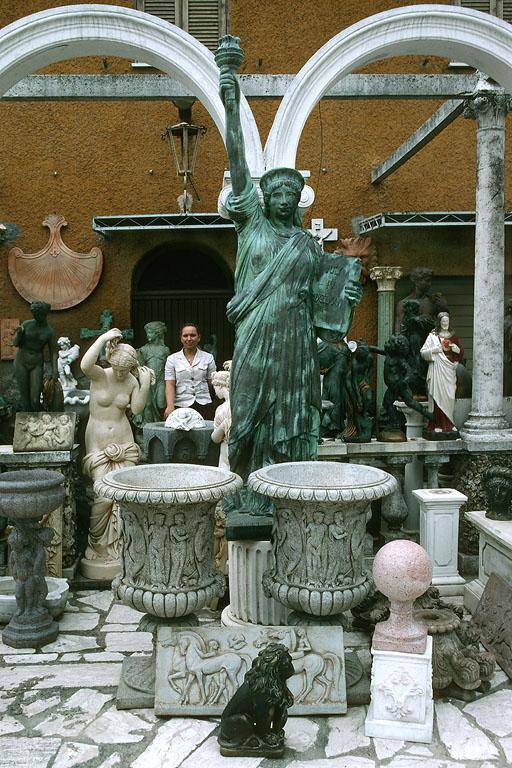 missliberty Proprietress, Via Flaminia, Italy, 2006