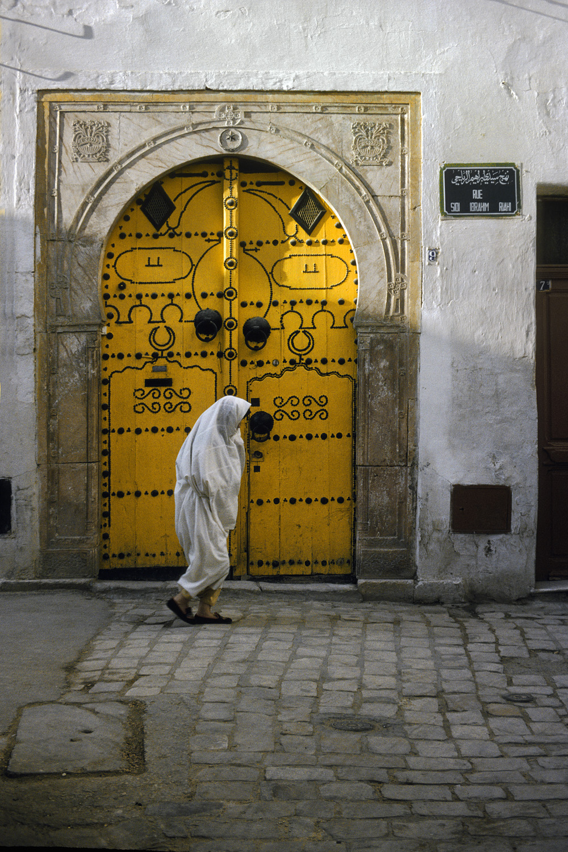 94-yellowdoor