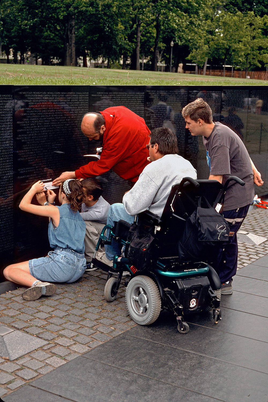 wall Vietnam Memorial, Washington DC, 2001